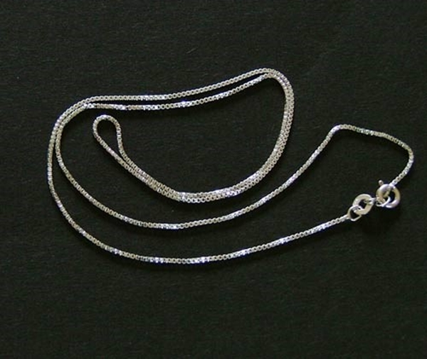 Picture of Box Chain (18 inch) - Sterling Silver (SV9018)