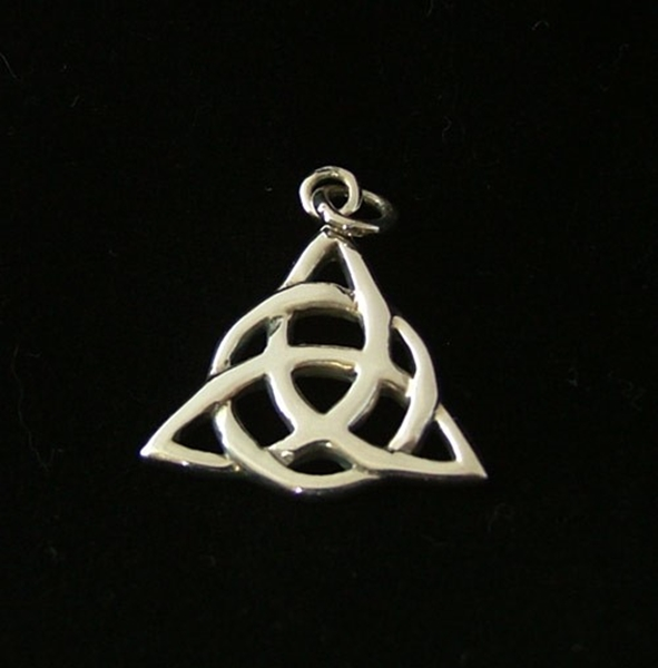 Picture of Triquetra Pendant - Sterling Silver (Large)