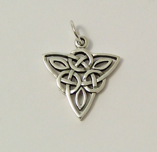 Picture of Inverted Triquetra Pendant (Sterling Silver)