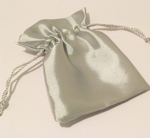 Picture of Satin Pouch - Silver (Lrg)