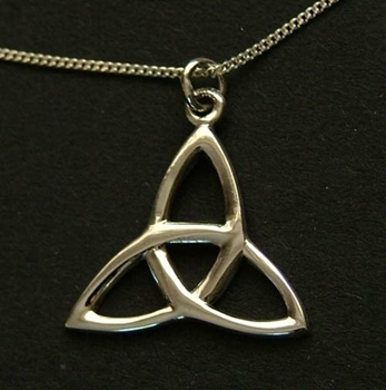 Picture of Triquetra Pendant  (Medium) - Sterling Silver