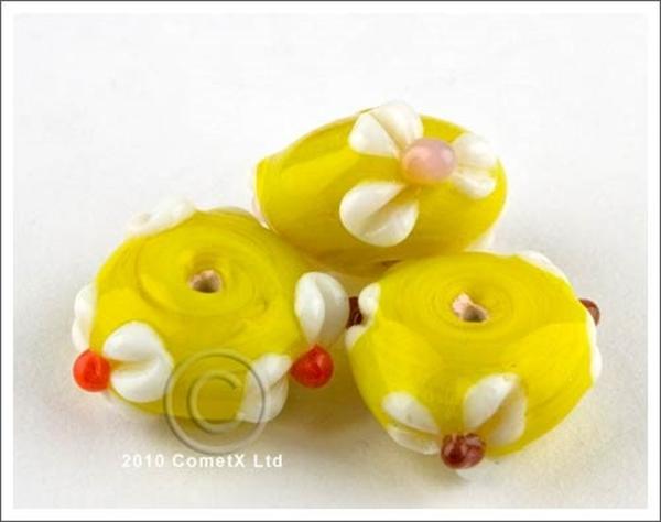 Picture of Flower Bead -  Banana Yellow Lampwork (Pk 5)