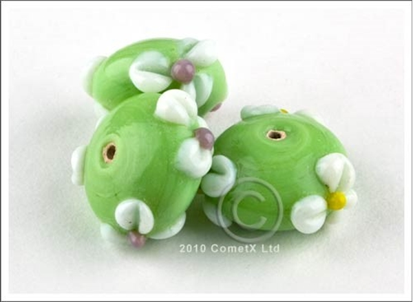 Picture of Flower Bead -  Pale Green Lampwork (Pk 5)