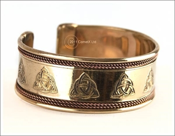 Picture of Celtic Triquetra Bangle - Copper And Brass
