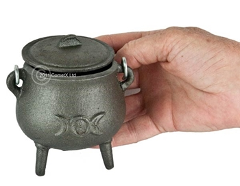 Picture of Cauldron (Mini) - Triple Moon (With Lid)