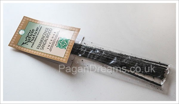Picture of Resin Stick Incense (Frankincense And Sandalwood) - 10 stick