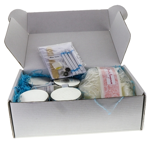 Picture of Paraffin Wax Tin Kit - Makes 8 (Fruity)