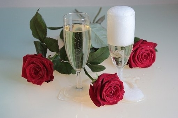 Champagne And Roses Fragrance Image